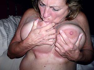 Appealing xxx mature pussy pics
