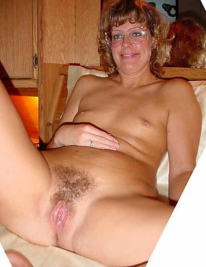 Luring amateur girlfriend sex pics