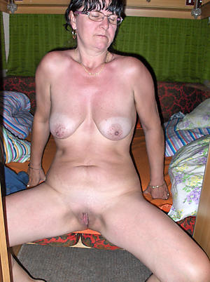 Sweet mature russian girlfriend nude photos
