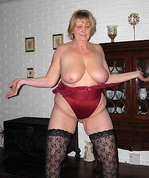 Best pics of busty nude mature