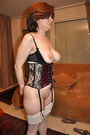 Busty nude mature pictures