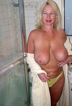 Horny mature ladies big boobs pics