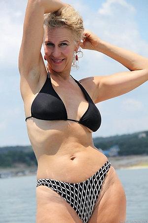 Sexy old women in bikinis