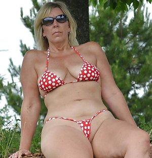 Xxx sexy ladys in bikinis