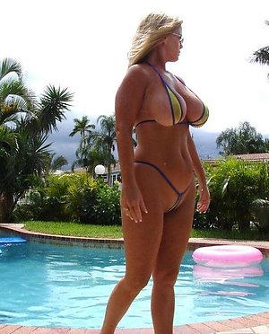Amateur pics of hot mature bikini