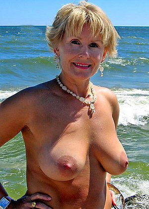 Pretty hot nude blonde women