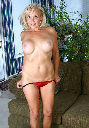 Free beautiful mature blondes amateur pics