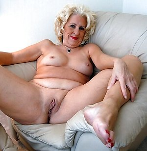 Gorgeous mature blonde slut