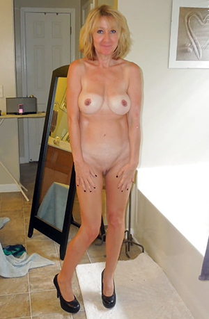 Sexy amateur mature blonde gallery