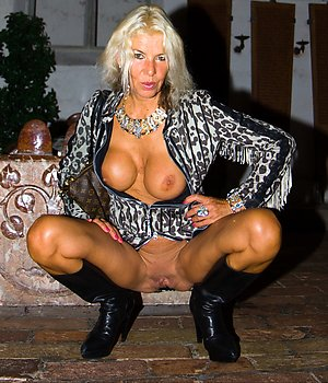 Free mature blonde in stockings