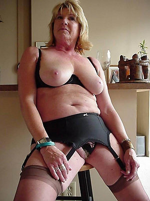 Homemade sexy blonde lady