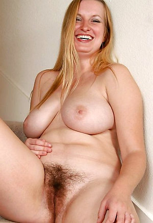 Gorgeous blonde moms naked