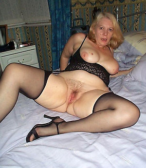 Real blonde wife nude pics