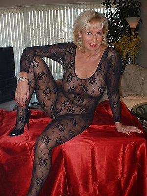 Sweet hot blonde mom pics