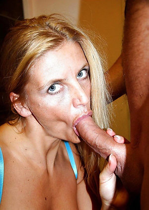 Naked mature wife blowjobs amateur pictures