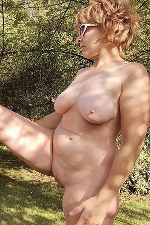 Mature women xxx amateur pics