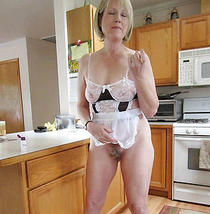 Matured housewives nude