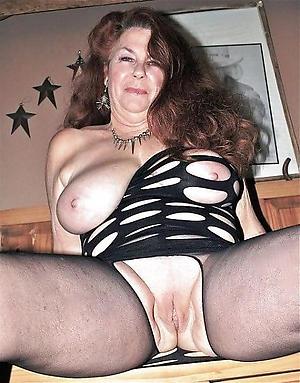 Real mature cunt porn