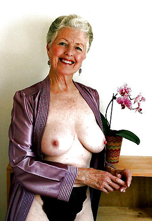 Mature naked ladies starkers foto