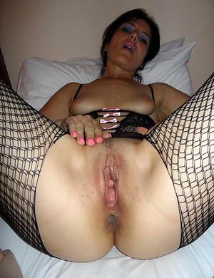 Naked mature women vagina photos