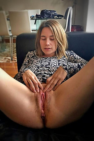 Mature women with hairy vaginas pictures
