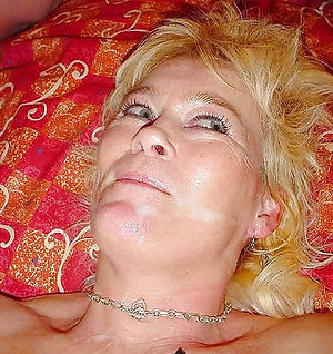 Free mature mom cumshot