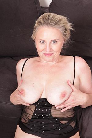 Favorite bonny sexy mature women