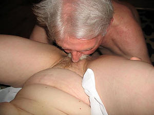 Naked mature wife eats pussy photos
