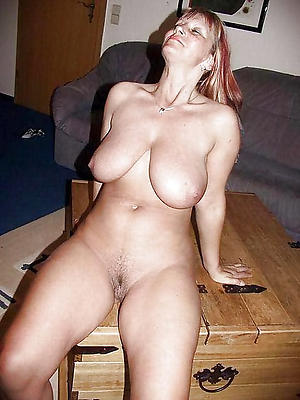 Pretty single mature ladies pics