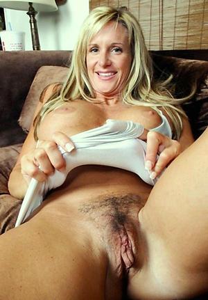 Amateur pics of mature woman pussy