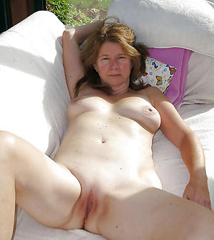 Free naked grown up pussy photos