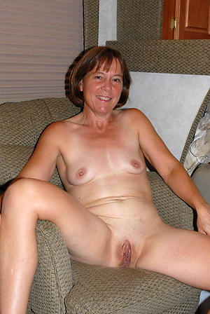 Naked housewife milf pictures