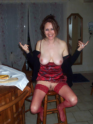 Amateur roasting housewifes nude pictures