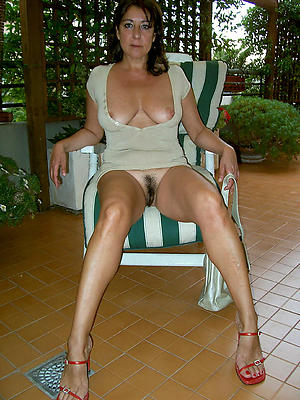 Naked horny housewifes photo