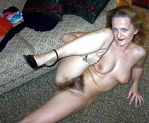 Flawless housewife nude pics