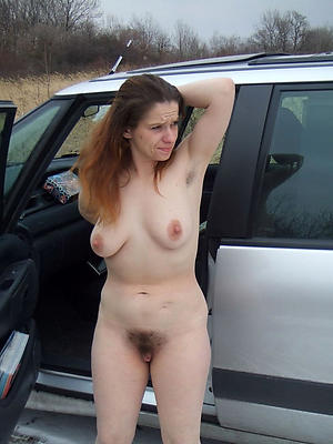 Stark naked mature hairy pictures
