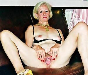 Pretty mature women cunts revealed photo
