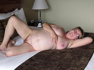 Bungling pics of mature slut pussy