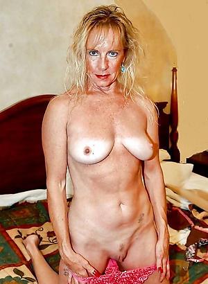 Nude full-grown slut xxx pics