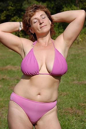 Naughty mature women bikini pics