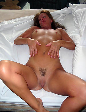 Downcast mature sluts galleries