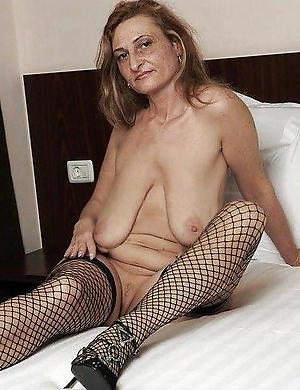 Inexperienced saggy tits mature pics
