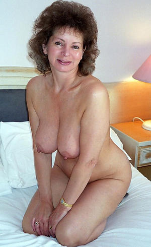 Hot matures 40 nude pics