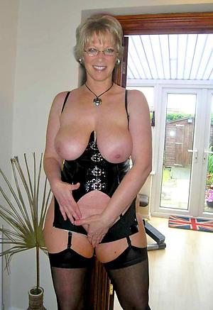 Sweet mature women 40 naked pics