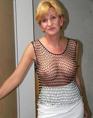 Nude mature women 40