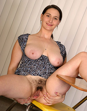 Xxx mature 40 nude pics