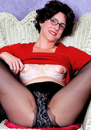 Amazing vintage mature pussy porn pics