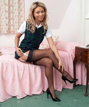 Amateur mature women yon cavalier heels pics