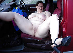 Untrained mature in car naked photos
