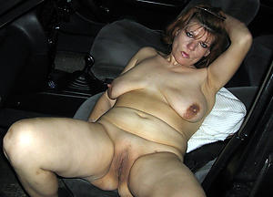 Free mature in car naked photo